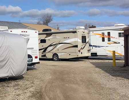 Chances are you donu0027t have room in your driveway or garage for an RV. Rather than take up your entire drive or have to park your RV alongside your home ... & RV Storage in Antioch IL | Boat Storage | Secure Storage